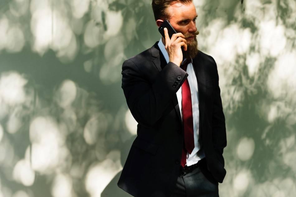 Коллекторы: звонят по чужому долгу по кредиту, звонки по долгу другого человека, как вести себя родственникам, звонят если нет долгов
