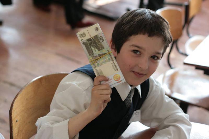 Как подростку заработать деньги в интернете с помощью социальных сетей?