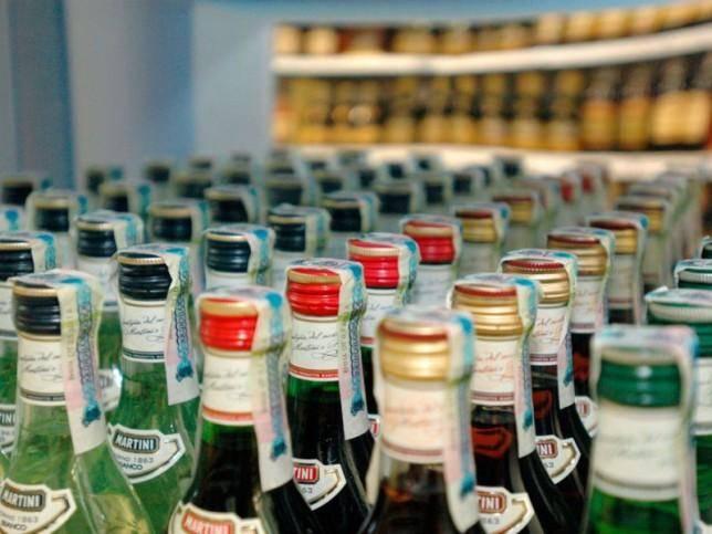 Поставки алкогольной продукции на реализацию переступили через