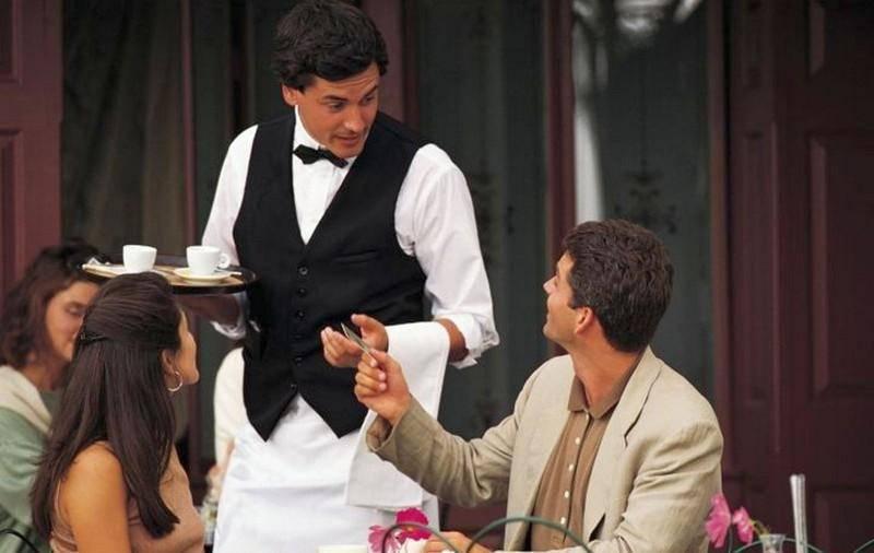 Как правильно составить должностную инструкцию официанта ресторана и кафе?