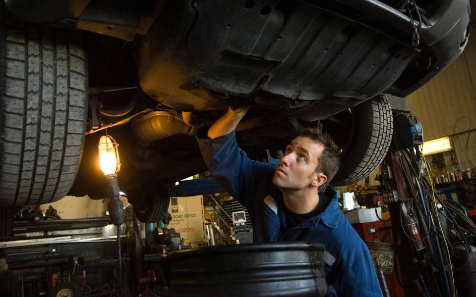 Что входит в обязанности механика по автотранспорту?
